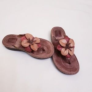 Clark's Artisan Brown Sandals w/ Floral Detail, 8